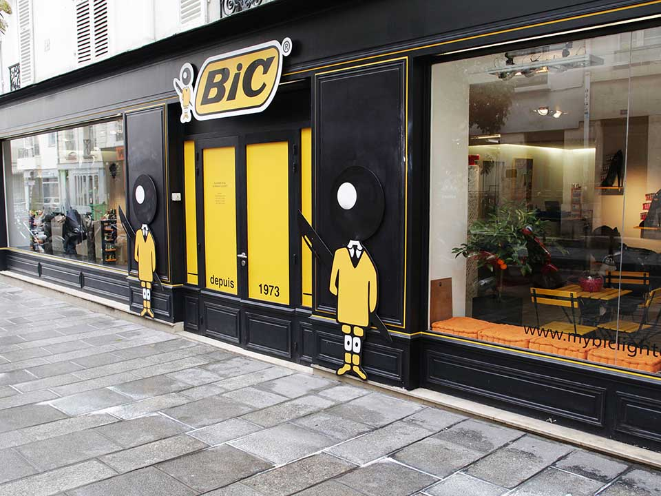 30ANS POP UP STORE_vitrine // BIC